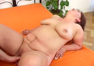chubby mature lady gets nailed - ant studio