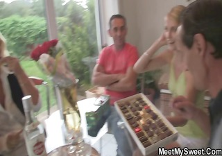 She toying her BFs mother pussy and sucks dads